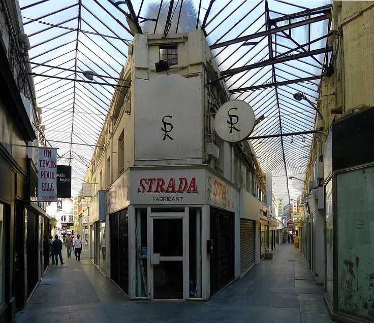 Le PASSAGE DU CAIRE est un passage couvert parisien situé dans le 2e arrondissement, entre la place du Caire à l'ouest, la rue du Caire au sud, la rue Saint-Denis à l'est et la rue d'Alexandrie au nord.FRANCE ,Date de création: 1798, au cœur du Sentier,.......SOURCE WIKIPEDIA.ORG.......COTE PLACE DU CAIRE......