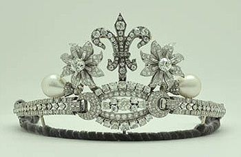 Diamond and pearl tiara which appears to have been created from smaller jewels of the Bulgarian royal family.  Created by Miriam de Ungria, gemologist wife of the pretender Crown Prince of Bulgaria, Kardam, Prince of Turnovo, son of the last tsar of Bulgaria.