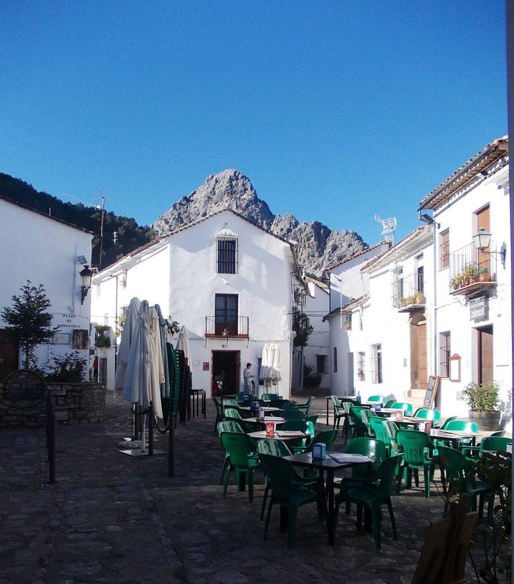 Grazalema, the home of FG handmade bags, getting ready for a bank holiday.