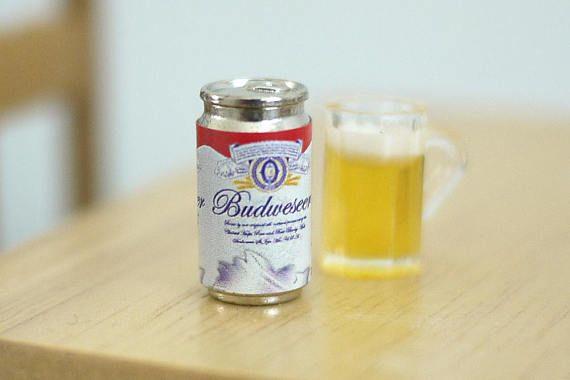Usted está viendo una lata de cerveza de decoración casa de muñecas miniatura, el precio incluye una lata de cerveza. Dimensión aproximada (cm): Poder de la cerveza - 0.9 (diámetro), 1.8 (H) Artículo notas: Guarde todos los modelos miniatura de los niños. Combinar varias compras, la cantidad que paga por gastos de envío es igual al valor exacto de la estampilla (+ impuestos). Una vez que el paquete es enviado, se devolverá cualquier excedente de envío a usted. No hago provecho de franqueo...