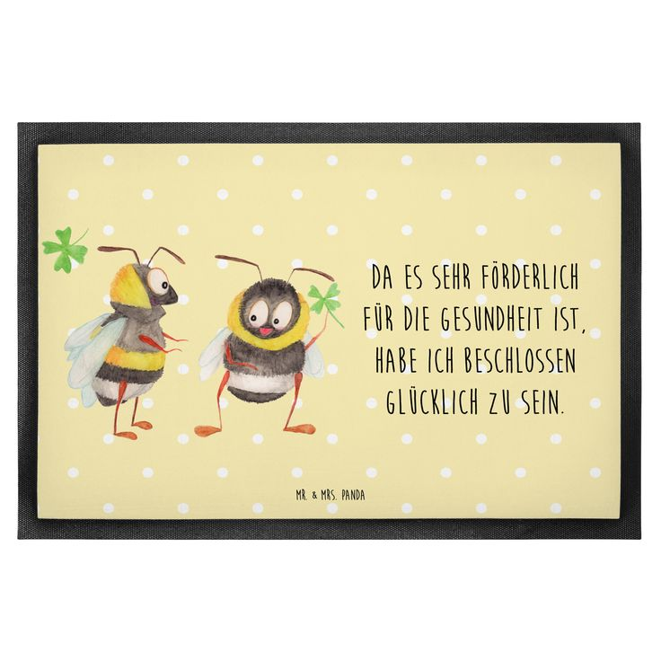 """40 x 60 Fußmatte Hummeln mit Kleeblatt aus Velour  Schwarz - Das Original von Mr. & Mrs. Panda.  Die wunderschönen Fussmatten von Mr. & Mrs. Panda sind etwas ganz besonderes. Alle Motive werden von uns entworfen und jede Fussmatte wird von uns in unserer Manufaktur selbst bedruckt und liebevoll an euch verschickt. Die Grösse der Fussmatte beträgt 60cm x 40cm.    Über unser Motiv Hummeln mit Kleeblatt  Unsere beiden süßen Hummeln sind aus unserer """"Small World"""" - Kollektion.    Verwendete…"""