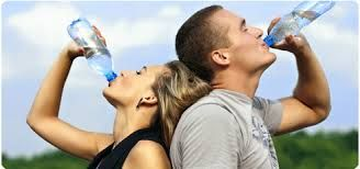 Refrescate con agua en botella al clima o fria , ¡ tu eliges!