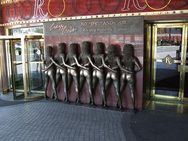 Riviera Hotel and Casino - Las Vegas, Nevada - @Paula Marie McCloskey and i posed with this statue haha