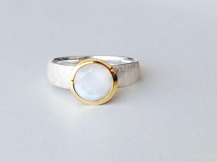Mondstein - Exclusiver Regenbogenmondstein Ring 925 Silber - ein Designerstück von Steinschmuck-welt bei DaWanda
