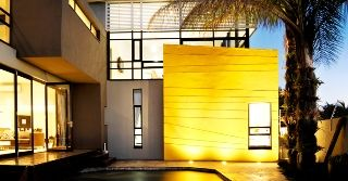 Micasa Luxury Suites offers guests luxurious accommodation in a newly built double storey guest house in the suburb of White River in the attraction-filled Mpumalanga Province.