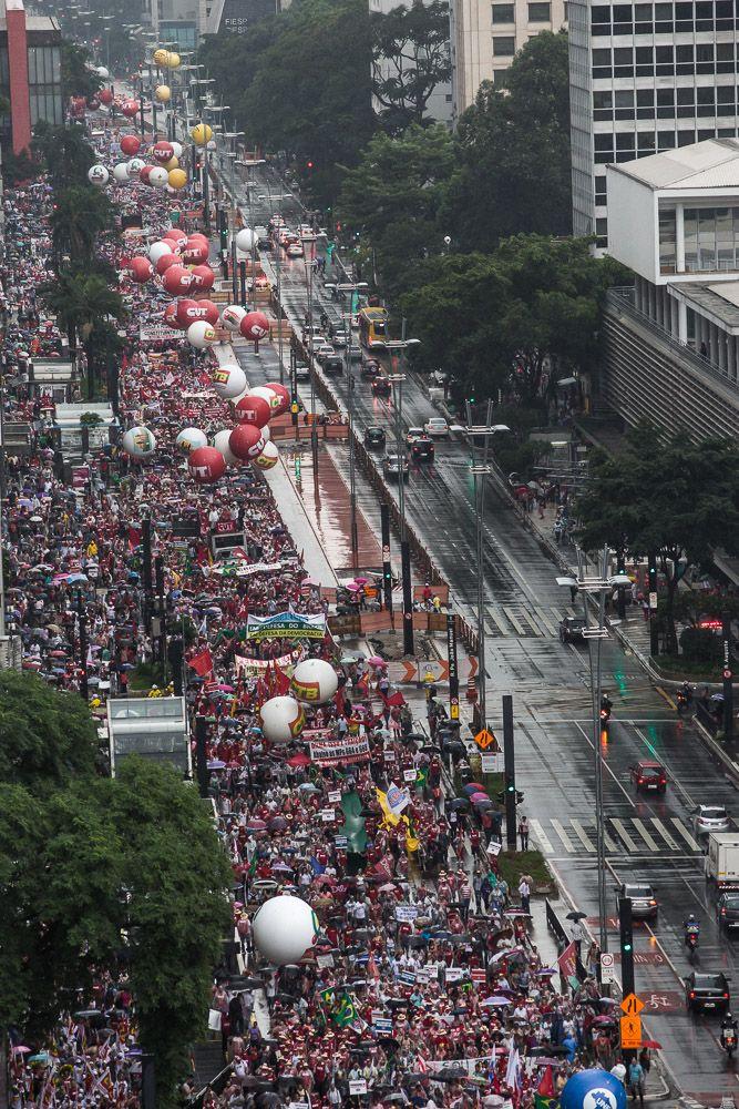 Dia 13/08, dois dias antes dos protestos fascistas ocorridos no Brasil, aconteceu uma manifestação organizada por diversos movimentos sociais. A grande mídia noticiou?
