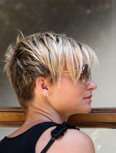 Taglio capelli corti dietro con ciuffo lungo estivo - The house of blog
