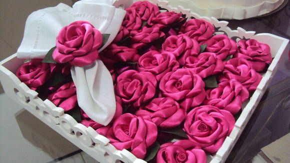 Porta guardanapo feito em cetim pink com argola em fita na mesma cor,preço para pedido mínimo de 50 peças R$ 2,90