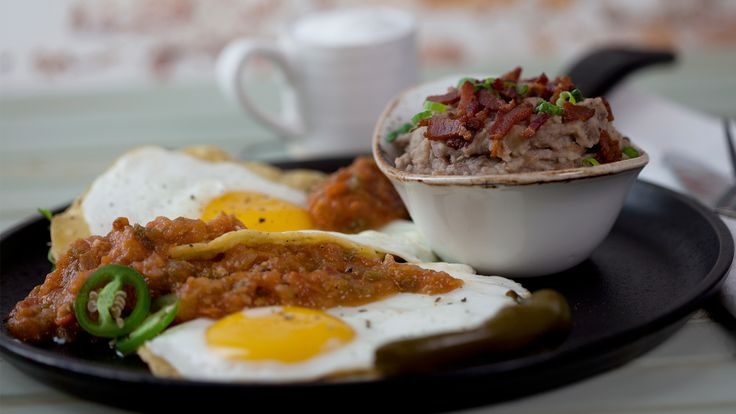 Huevos y Frijoles Rancheros - Eggs with Beans and Bacon -The Latin Kitchen - Gusto