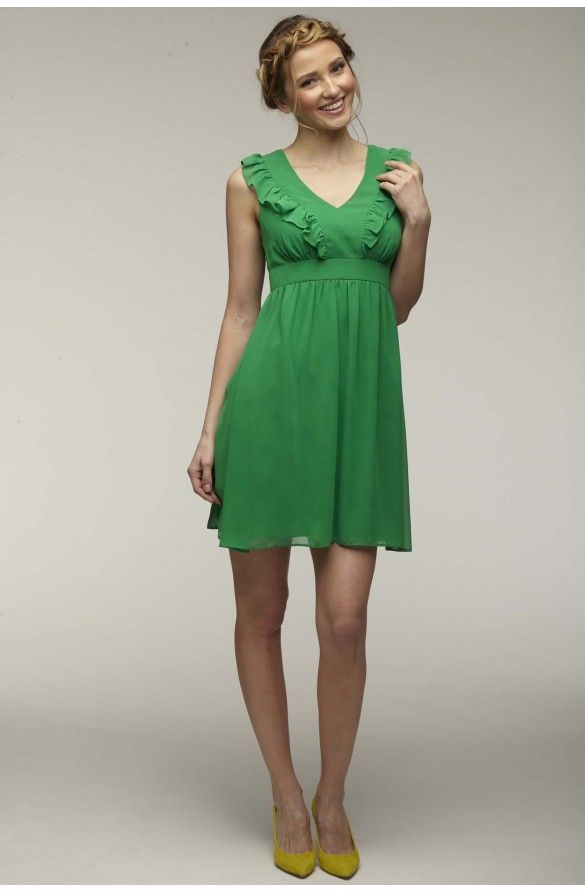 Robe cintree a manches courtes detail volants   Style