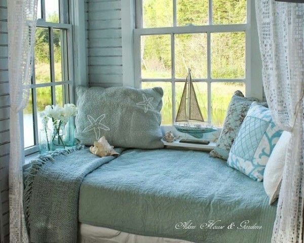 Sally Lee by the Sea | 7 Beach House Interior Designs from Pinterest | http://nauticalcottageblog.com