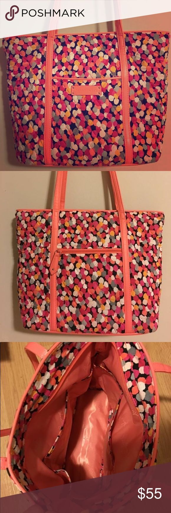 Vera Bradley Tote Like new condition. This is great for a purse or could even be a diaper bag. Vera Bradley Bags Totes