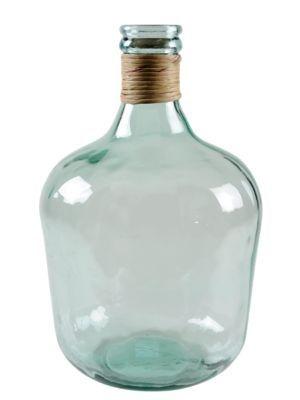 Zo'n vaas op dressoir ook met kaarsen enz. aankleden om wat gezelligheid te creëren.