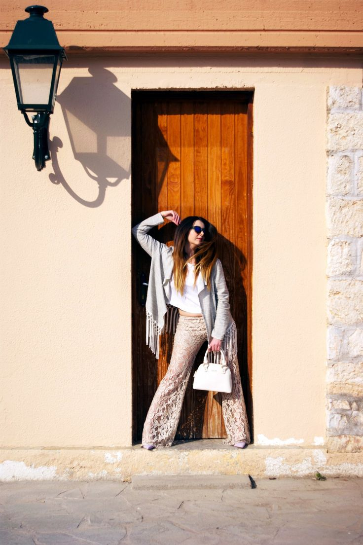 Miss Bloublou creates the 70'S CHIC Outfit for Fia Fashion