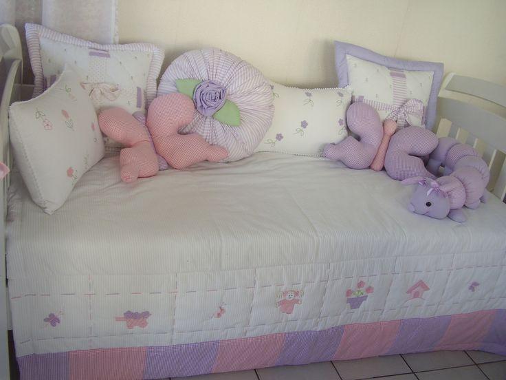 https://flic.kr/p/6AU8CB   Cama boneca macacão rosa e lilás