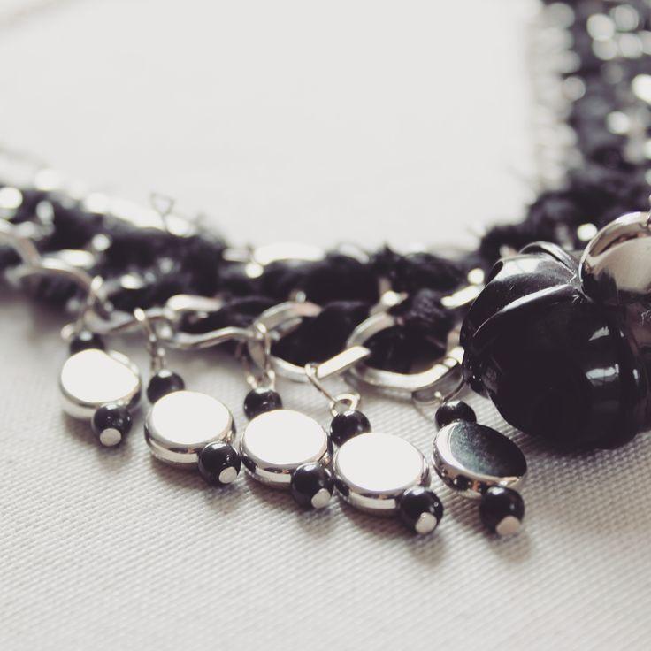 www.marfil.com.ar  accesorio, collar con piedras