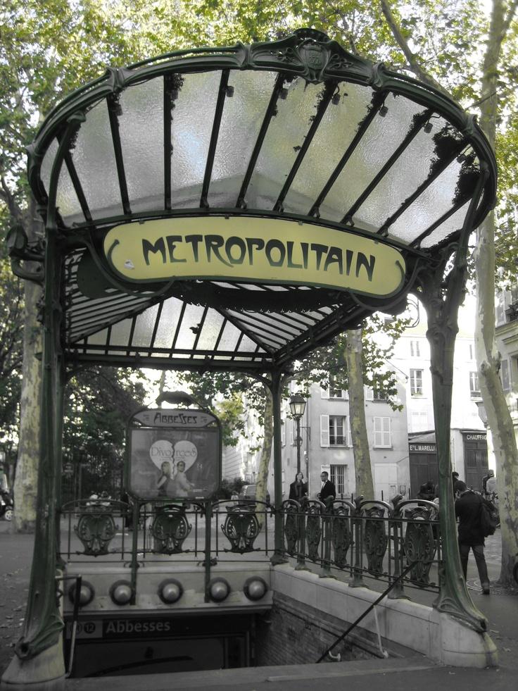 metro à abesses