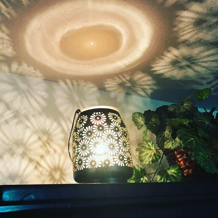 Isnt this an amazing warmer https://kelliesheavenlyscents.scentsy.us/party/7498498