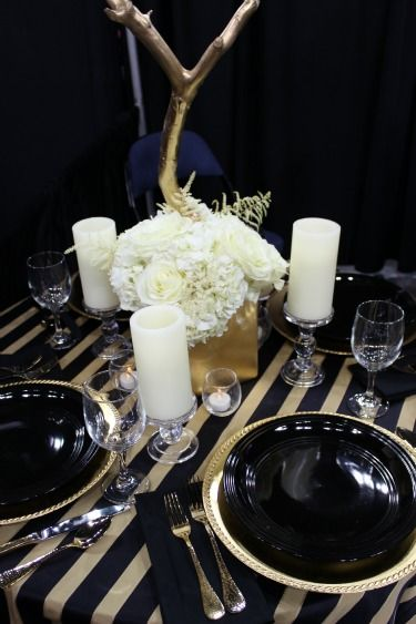 Table decor ideas party decor ideas soiree ideas black for Black table centrepieces