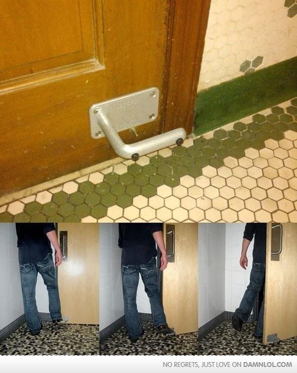 Just Pure Genius!Like A Boss, Doors Open, Bathroom Doors, Doors Handles, Public Bathroom, Puree Genius, Clever Ideas, Foot Doors, Bathroom Wc Doors