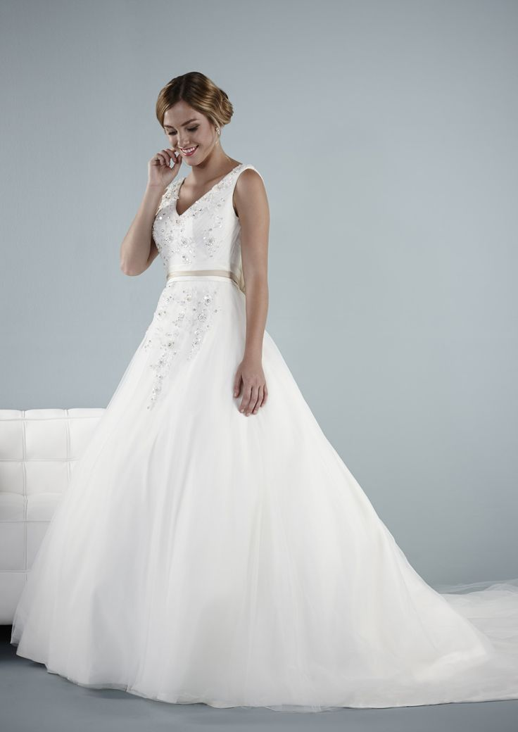 Old Fashioned Wedding Dress Shops In Surrey Composition - Wedding ...