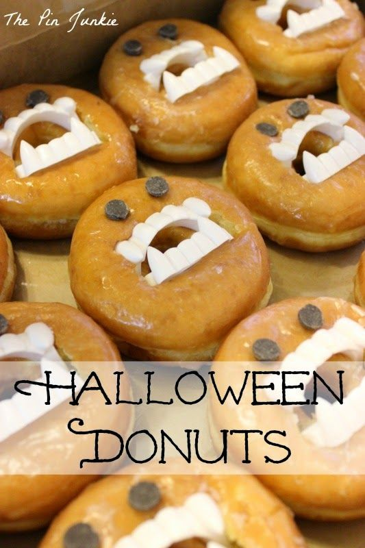 Halloween Monster Donuts - easy to make, incredibly cute, and totally irresistible. Sure to be the hit of any Halloween party!