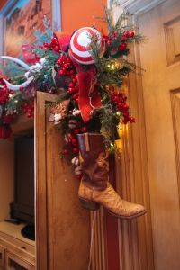 Western Christmas Decorating, Cowboy boot Christmas Decorations, Show Me Decorating