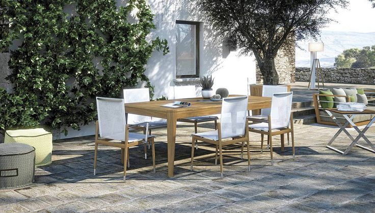 Legend by Atmosphera is a table sober, with esssential and clear shapes, perfect to furnish an outdoor area. The steel details on the top create a play of constrasts beetween teak and steel and make it fashionable but never too much.