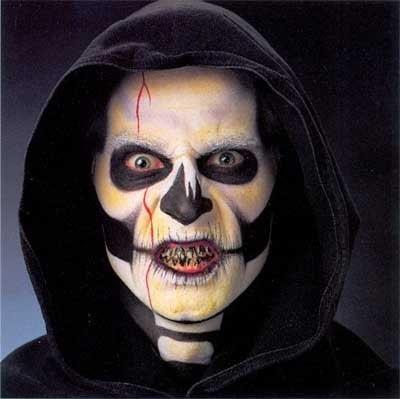 Страшные костюмы и маски на хелуин