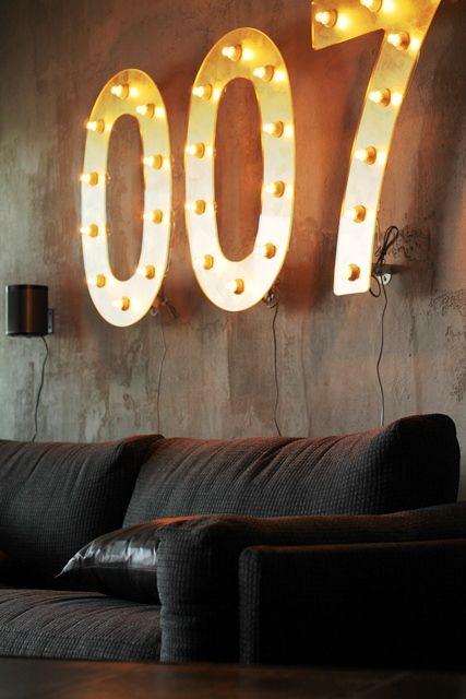 These lights shine in Äijä's department at Maailmanpylväs. Great idea by Milla Alftan.