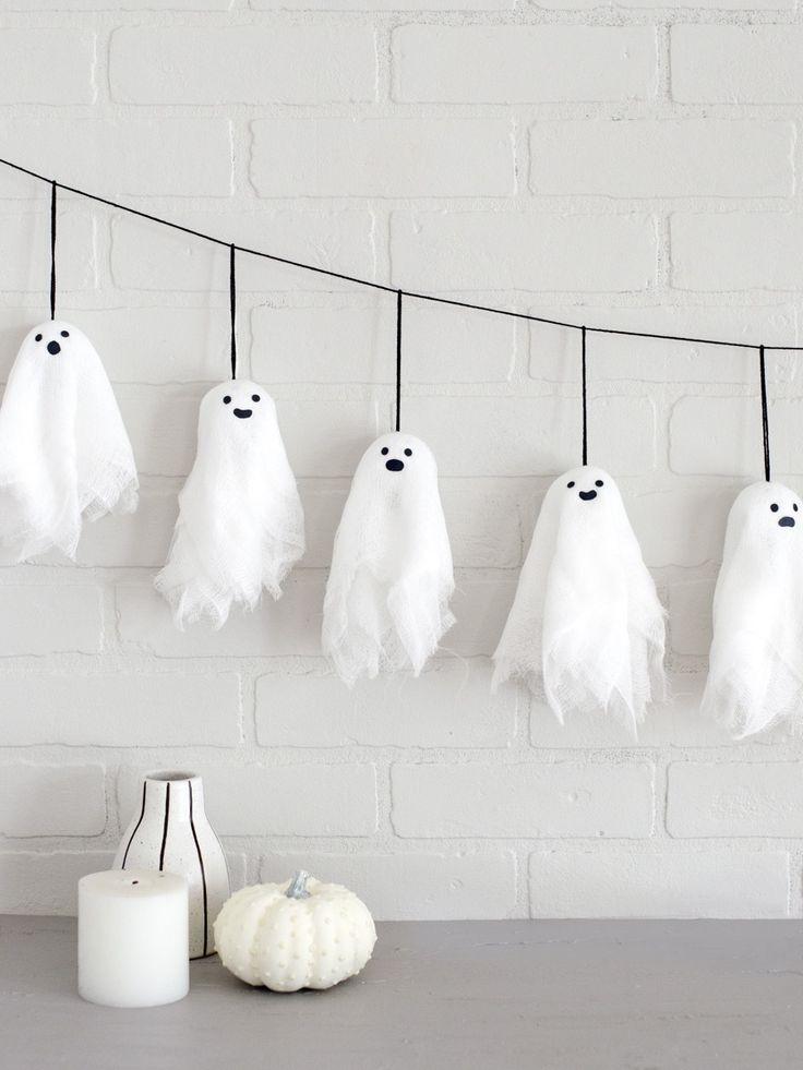 Cute With a Lil' Spook: DIY Mini Ghost Garland