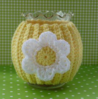 Whiskers & Wool/ FREE CROCHET pattern/ Daisy Jar Cozy
