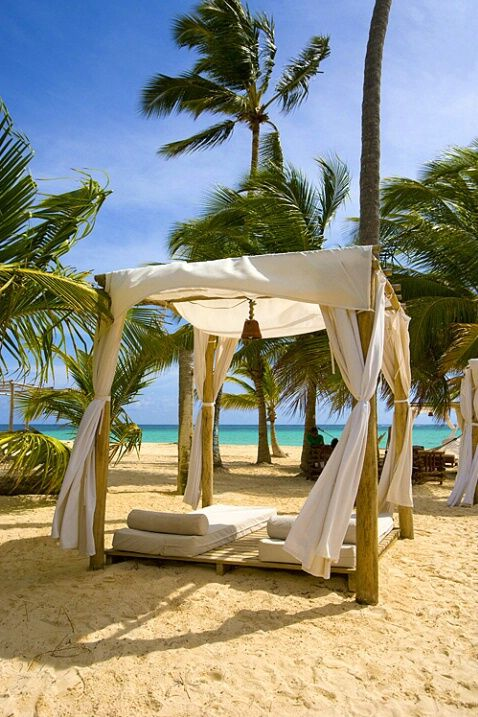 Bavaro Beach, Punta Cana, Dominican Republic © Jim Zuckerman