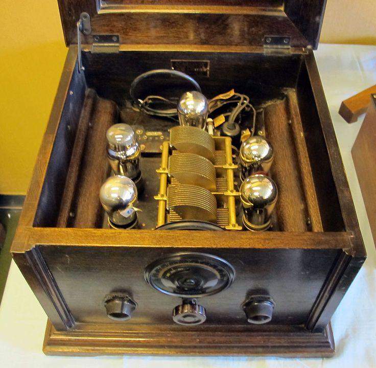 Radio d'epoca, primi apparecchi magnavox