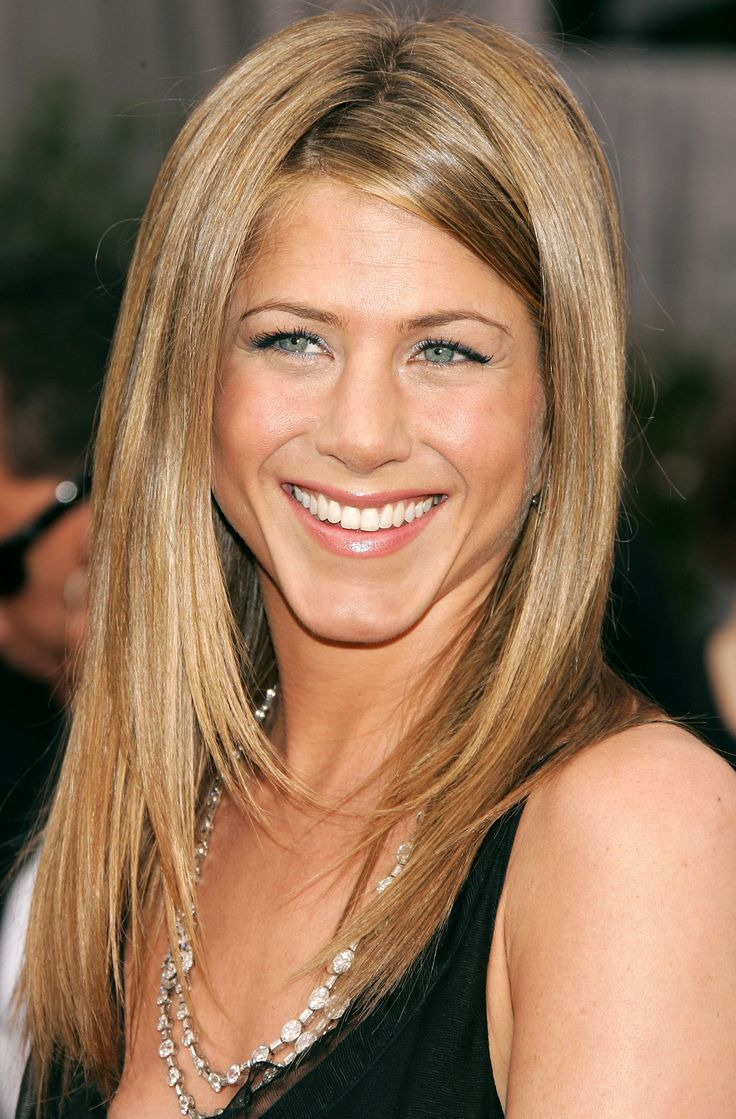 25 Years of Jennifer Aniston'sHair   Daily Makeover