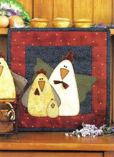 applique chickens mug rug