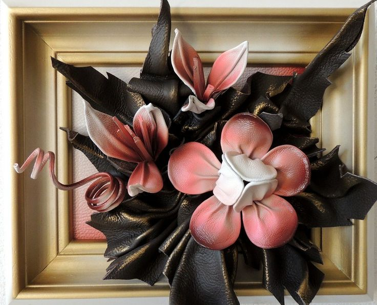 lack & White Leather Roses  WWW.MAKMARKETPLACE.COM  Black & White Leather Roses Size: 12in by 9in (28cm x 23cm) Frame: Solid Wood Stained Black Colors: Black & White Material: Genuine Leather  https://plus.google.com/communities/107298104499962573861  https://www.facebook.com/pages/MAK-Marketplace/331889076912354  http://www.pinterest.com/MAKMarketplace/