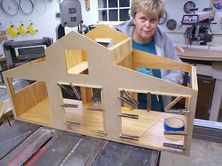 Build this Horse Stable for your lil riders!