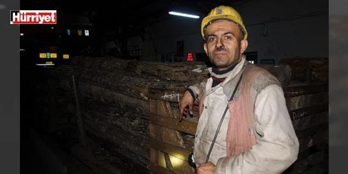 Hayali sınıfta ders vermekti madende kömür kazıyor : Ondokuz Mayıs Üniversitesinden (OMÜ) mezun olan ancak öğretmenlik ataması yapılmayınca 2006da Zonguldakta maden ocağına kazmacı olarak çalışmaya başlayan biyoloji öğretmeni Yakup Muzaffer (37) mesleğini icra edememenin burukluğunu yaşıyor.  http://www.haberdex.com/turkiye/Hayali-sinifta-ders-vermekti-madende-komur-kaziyor/95027?kaynak=feeds #Türkiye   #başlayan #biyoloji #öğretmeni #çalışmaya #kazmacı