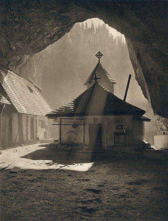 Schitul Ialomicioara fotografiat de, din nou, Kurt Hielscher 1933