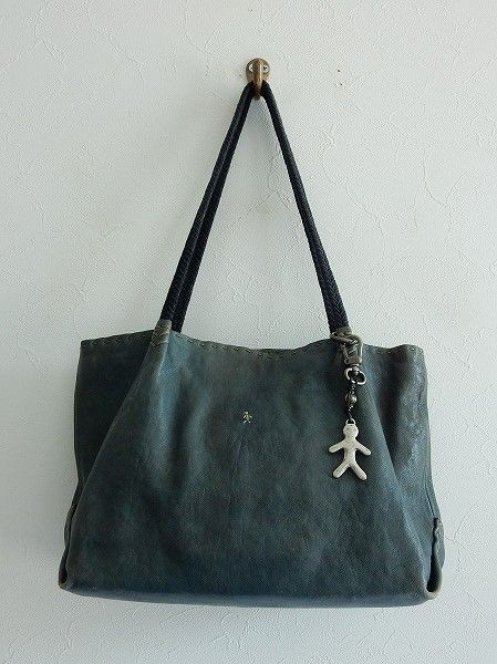 エンリーベグリン HENRY BEGUELIN オミノ刺繍レザートートバッグ