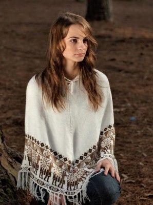 Beautiful White Poncho | JC Alpac - Alpaca Clothing