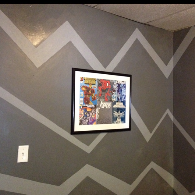 Superhero bedroom! maybe just a few zig zags across the top as a border?