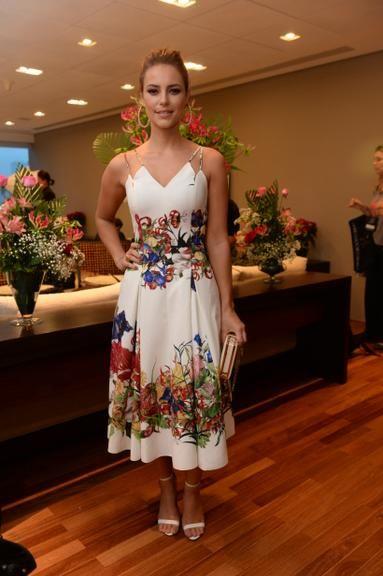 10 vestidos florais fofos ideais para serem usadas em festas e eventos formais