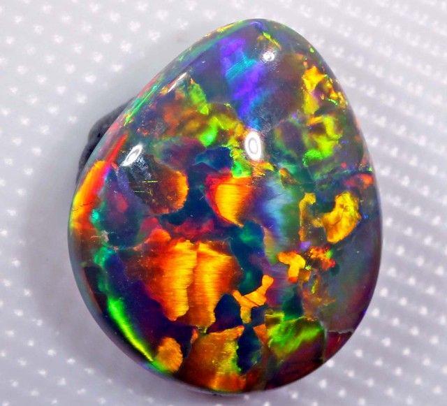 VERY BRIGHT OPAL FROM LIGHTNING RIDGE AUSTRALIA - 3.40 CT - GEM GRADE ❦ CRYSTALS ❦ semi precious stones ❦ Kristall  ❦ Minerals ❦   Cristales ❦