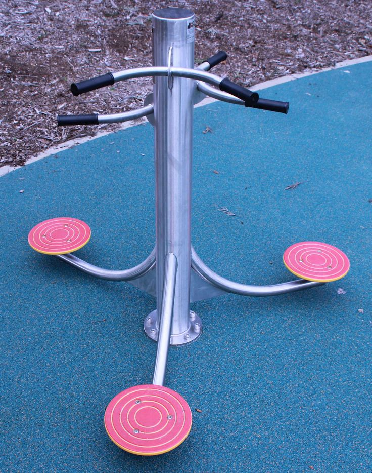 Waist Twister by Play Poles