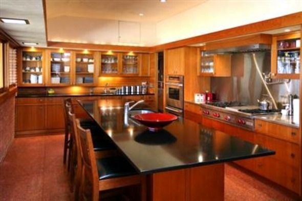 Pleasant and comfortable kitchen interior design of frank for Frank lloyd wright interior designs