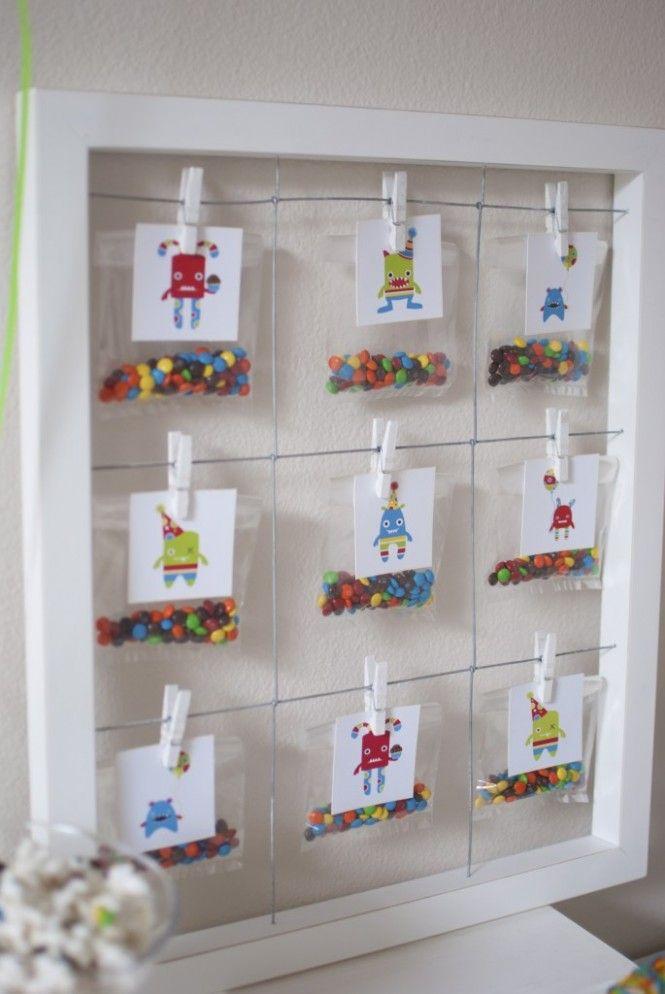 Kikids Party: painel com confeitos em festa infantil tema Monstrinhos, decorada por Twinkle Twinkle Little Party - www.kikidsparty.com.br