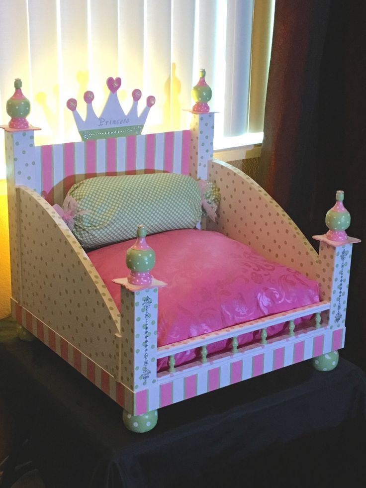 Princess Pet Bed all the Glitz and Glamor. by maranathafashions on Etsy