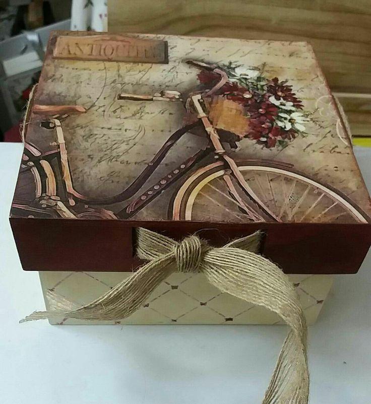caja madera decoupage con papel arroz y cinta